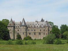 Ham-sur-Heure Castle via Wikipedia