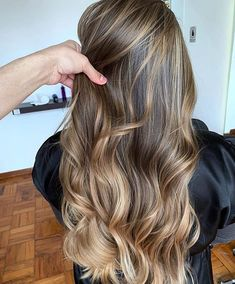 Black Coffee Hair With Ombre Highlights - 10 Cool Ideas of Coffee Brown Hair Color - The Trending Hairstyle Balayage Hair Blonde, Brown Blonde Hair, Light Brown Hair, Coffee Hair, Hair Color Highlights, Balayage Highlights, Caramel Highlights, Cool Hair Color, Brown Hair Colors