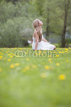 Verträumte hübsche Frau im Park My Images, Park, Photography, Pictures, Photograph, Fotografie, Parks, Photoshoot, Fotografia