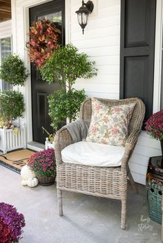 Plum and Red Mums Fall Porch #fallporchdecor #fallporch #redfallporch #plumfallporch Patio Decorating Ideas On A Budget, Porch Decorating, Decorating Tips, Autumn Inspiration, Home Decor Inspiration, Palm Springs, Apartment Balcony Decorating, Funky Home Decor, House With Porch