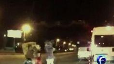 Botargas golpean a conductor http://noticieros.televisa.com/foro-tv-matutino-express/1409/botargas-golpean-conductor/