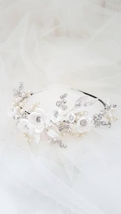 Silver Tiara with white Flowers and ivory Pearls, Silver Crown, Silver Wedding Tiara, Silver Bridal Tiara, Pearl Tiara, Floral Tiara
