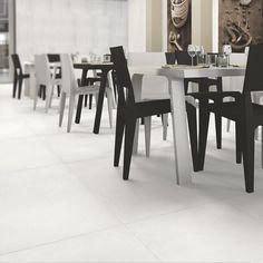 <p>Cemento Rasato Bianco er en moderne gulvflis i 60x60 fra italienske Casalgrande Padana. Flisen har en slett halvmatt overflate med en myk imitasjon av betongstruktur i lyse grå- og offwhite toner.</p> </br> <p>Cemento Rasato Bianco kommer fra italien