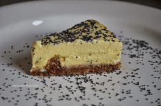 Cheesecake raw cu stafide si mac (a la Olivia Steer)