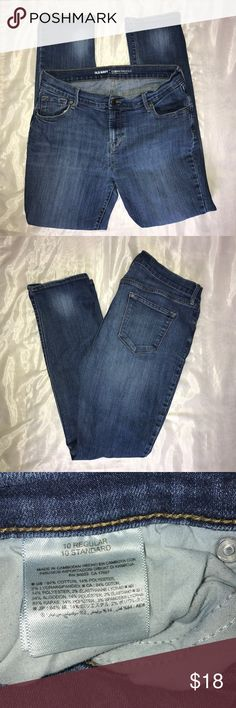 Old Navy curvy profile skinny jeans Old  Navy curve profile skinny jeans / mid rise/ excellent condition/ size 10 regular Old Navy Jeans Skinny