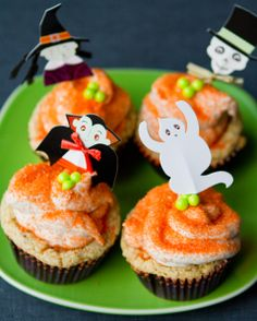 Plump Pumpkin Vegan Cupcakes for Halloween-    I make mine with Tastefully simple Oh-my-chai-whipped cream frosting