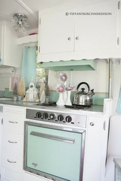 Vintage trailer interior - aqua and white.. sigh This would work great in hitherto kitchen I have now!