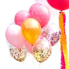Take your party balloons up a notch with these amazing pink and gold confetti balloons. These dozen balloons are truly fabulous and are just what your party needs. Coordinates beautifully with this ga