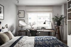 Compact living med studiokänsla –kika in i inredningsdesignerns snygga etta | ELLE Decoration