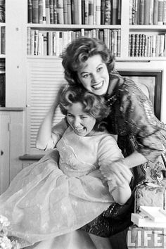~no-one ever leaves a star~ - Maureen O'Hara with daughter Bronwyn FitzSimons.
