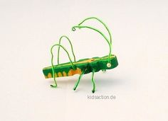 Grasshopper from a clothespin Heuschrecke Grash pfer aus Draht und W scheklammer basteln Fun Crafts For Kids, Art For Kids, Arts And Crafts, Diy And Crafts, Life Is Too Short Quotes, Life Quotes To Live By, Clothespin Art, Insect Art, Vacation Bible School
