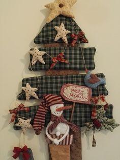 ideas christmas tree decorations diy vintage for 2019 Christmas Sewing, Primitive Christmas, Vintage Christmas, Decor Crafts, Christmas Crafts, Christmas Ornaments, Diy Ornaments, Christmas Makes, Christmas Time