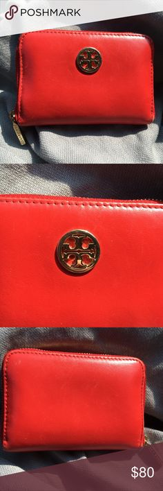 """Tory Burch Keychain Coin Wallet Excellent pre-loved condition. About 4.5"""" Long. Tory Burch Bags Wallets"""