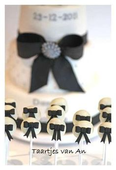 Beautiful Cake Pictures: Black Bows on White Cake Pops - Black & White Cakes, Cake Pops, Wedding Cakes - Wedding Cake Pops, Wedding Cakes, White Cake Pops, White Cakes, Cake Cookies, Cupcake Cakes, Chef Hats For Kids, Cookie Pops, Baking With Kids
