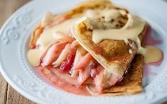 Rhubarb and Custard Pancakes