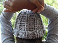 Fácil rapido Y divertido resulto este gorro al crochet , y para ...