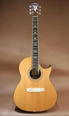 Larrivee Vintage C-72 Custom - they certainly know how to make a great guitar
