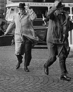 Robert Doisneau // Vent d'Automne, rue Royale. Paris 1949