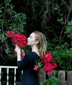 #roses #red #goth #hippie #alternative #girl #dreads #dreadlocks #blonde #dreadhead #nature #green #gothic #hairliketreeroots #wonderlocks