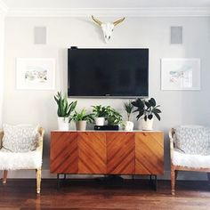 Tv stand decor chic and modern wall mount ideas for living room stand decor wall tv cabinet decorating ideas Living Room Tv, Apartment Living, Living Room Furniture, Tv On Wall Ideas Living Room, Small Living Room Ideas With Tv, Tv Furniture, Furniture Websites, Furniture Companies, Furniture Ideas