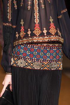 Etro Fall 2014 / High Fashion / Ethnic & Oriental / Carpet & Kilim & Tiles & Prints & Embroidery Inspiration /
