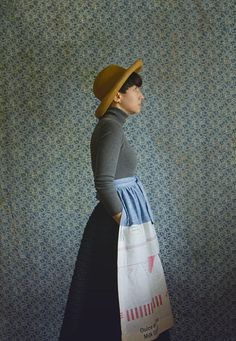 The Apron Paese étoile is a sprite weight, high-waisted, apron. Chambray and  Japanese Cotton