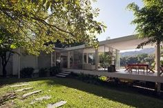 Mies van der Rohe's iconic house in Illinois has been the inspiration for many modern architects. That masterpiece, which was also intended as a vacation home,