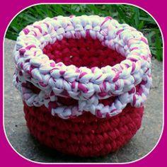 Cesto em Trapilhos ou Fio de Malha, Crochet Rag Basket | Flickr