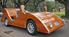 Tecnoneo: Estos coches de madera realizados por un veterano israelí son legales para circular por la calle