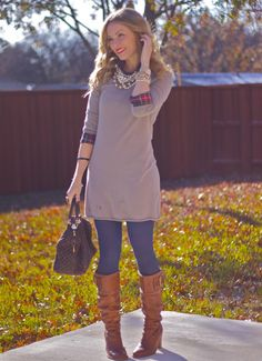 sweater dress + plaid + blue tights + pearls + boots I WANT FALL! Winter Outfit For Teen Girls, Winter Outfits Women, Casual Winter Outfits, Outfits For Teens, Fall Outfits, Cute Outfits, Blue Tights, Colored Tights, Look Plus