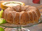 Tomato Cake with Brown Butter Icing Food Network invites you to try this Green Tomato Cake with Brown Butter Icing recipe from Paula Deen.Food Network invites you to try this Green Tomato Cake with Brown Butter Icing recipe from Paula Deen. Green Tomato Cake Recipe, Green Tomato Pie, Green Tomato Recipes, Green Tomatoes, Cherry Tomatoes, Vegetable Recipes, Deals To Meals, Food Network Recipes, Cooking Recipes