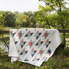 free pdf...Fieldcrossing Quilt <br>by Elizabeth Olwen from Make It Sew Projects for Cloud9 Fabrics
