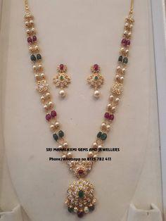 Gold Wedding Jewelry, Gold Jewelry Simple, Bridal Jewelry, Pearl Jewelry, Tikka Jewelry, Indian Jewelry Sets, Gold Pearl Necklace, India Jewelry, Gold Necklaces
