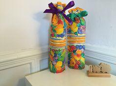 Presentpåse i tyg. Dessa är för flaskor. Retro by Rätan & Rådom.