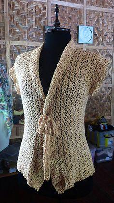 Beautiful Scallop Stitch Cardigan: FREE crochet pattern