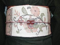 obi sur yukata (kimono de coton)