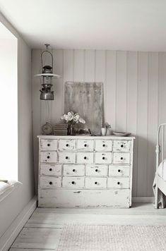 shabby dresser #flowershop