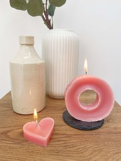 DIY Repurposed Wax Donut Candle by Isoscella Old Candles, White Candles, Pillar Candles, Diy Donuts, Heart Shaped Cookies, Heart Wall Art, Small Spoon, Gold Diy, Valentines Diy