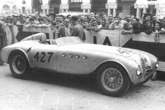 Alfa Romeo 412 Spider Vignale Bonetto & Casnaghi finished in the 1951 Mille Miglia with this car Sports Car Racing, Road Racing, Race Cars, Auto Racing, Classic Sports Cars, Classic Cars, Classic Auto, Alfa Romeo Spider, Gilles Villeneuve