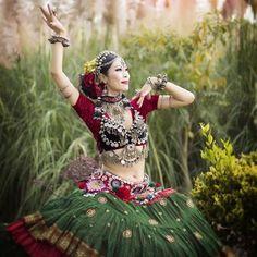 Dança do Ventre Vinhedo - Atelier Beth Fallahi Sister Studio®: Toda bailarina…