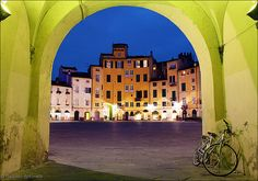 Pedalling Through Lucca (Italy). 'Hire a bike, provision yourself with picnic supplies and freewheel along the city's cobbled streets, zooming through a progression of piazzas and stopping to pay your respects at the city's clutch of architecturally important churches. Next, hit the popular bicycle path atop the monumental city walls or head into the surrounding countryside to visit opulent villas.' http://www.lonelyplanet.com/italy/tuscany/lucca