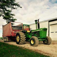 Big Tractors, John Deere Tractors, Farm 2, Farm Life, John Deere 6030, Agriculture Tractor, Future Farms, Vintage Farm, Barns