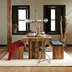 Modern Dining Room Inspiration Woods Solid wood dining room furniture is the best you can get due to its strength, rigidity and hard-wearing properties. Tiny Dining Rooms, Small Dining, Dining Room Table, Table Bench, Dining Set, Bench Set, Diy Table, Wooden Pallet Furniture, Modern Furniture