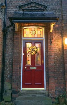 Traditional Grand Victorian double front doors with 'Canterbury' glazing and 'Etched' fanlight Timber Front Door, Double Front Doors, Wooden Front Doors, House Front Door, Glass Front Door, Glass Doors, Victorian Hallway, Victorian Front Doors, Victorian Homes