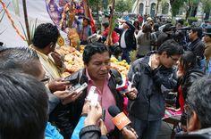 El Viceministerio de Descolonización revaloriza las prácticas ancestrales de la festividad de Todos los Santos en la plaza Murillo de la Sede de Gobierno. 01/11/2013