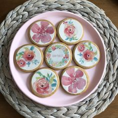 How to make personalised iced biscuits - Lucky Plot 13 Iced Biscuits, Decorative Plates, How To Make