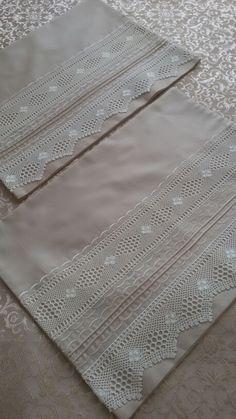 Pike takımı Diy Pillows, Linen Pillows, Accessoires Divers, Dream Catcher Nursery, Baby Sweater Knitting Pattern, Applique Wedding Dress, Prayer Rug, Crochet Pillow, Linens And Lace