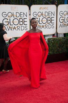 Lupita Nyong'o walks red carpet at 2014 Golden Globes