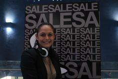 Mercedes Sanchez, de Multiplaza El Salvador haciendo #FashioStalking con nosotros el pasado lunes 13 de enero