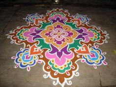 The World's Best Photos of kolam and rangoli Indian Rangoli, Diwali Rangoli, Rangoli Designs 2016, Rangoli Patterns, Ethnic Patterns, Flower Doodles, Zen Doodle, Jolie Photo, Flower Mandala